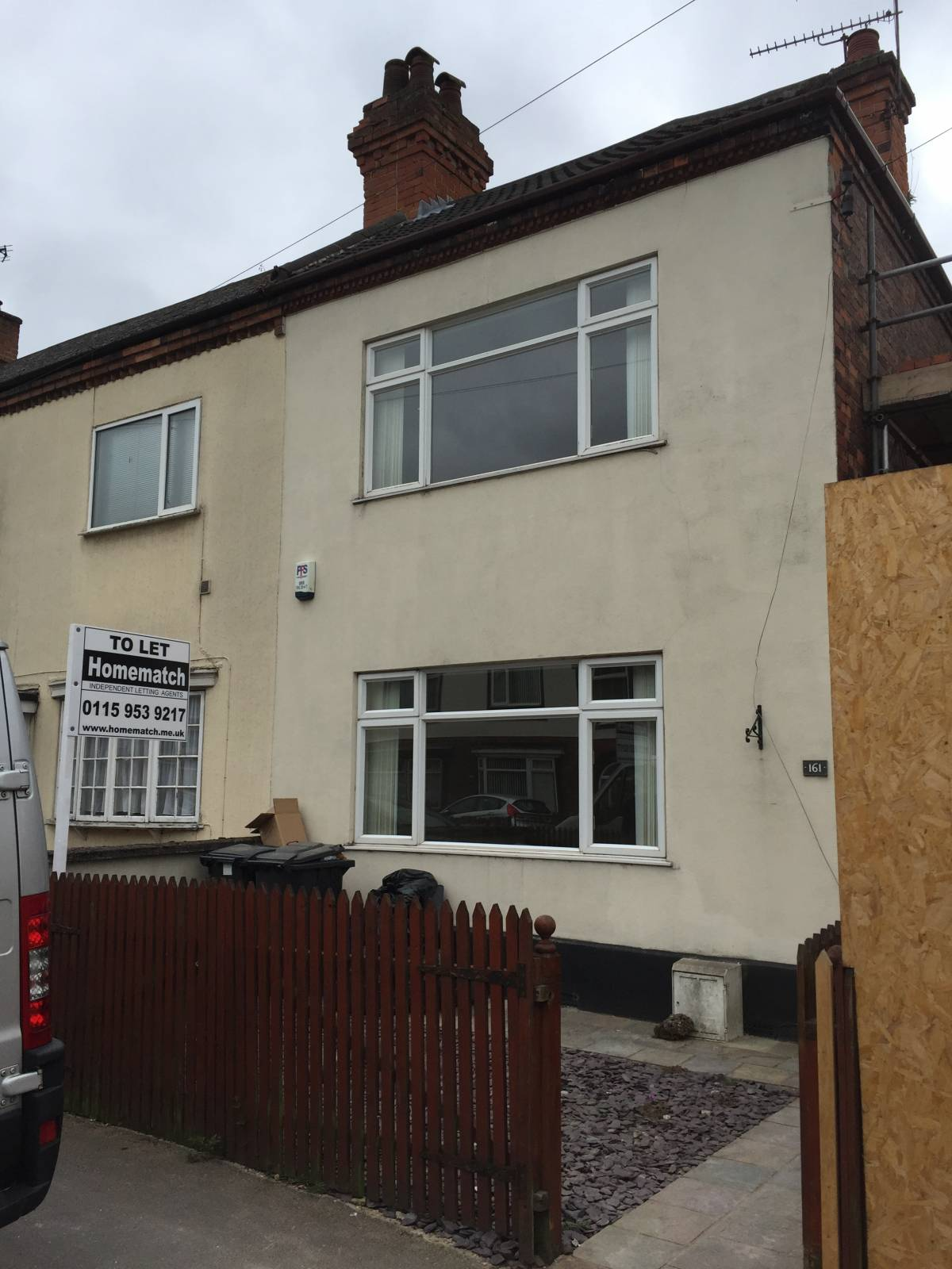 Ideal Family Home. 3 beds. 2 large reception. Dining Kitchen. White Goods