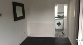 2 Story 1 large bedroom Maisonette. Totally refurbished. New Kitchen/Bathroom/Flooring. Redecorated.
