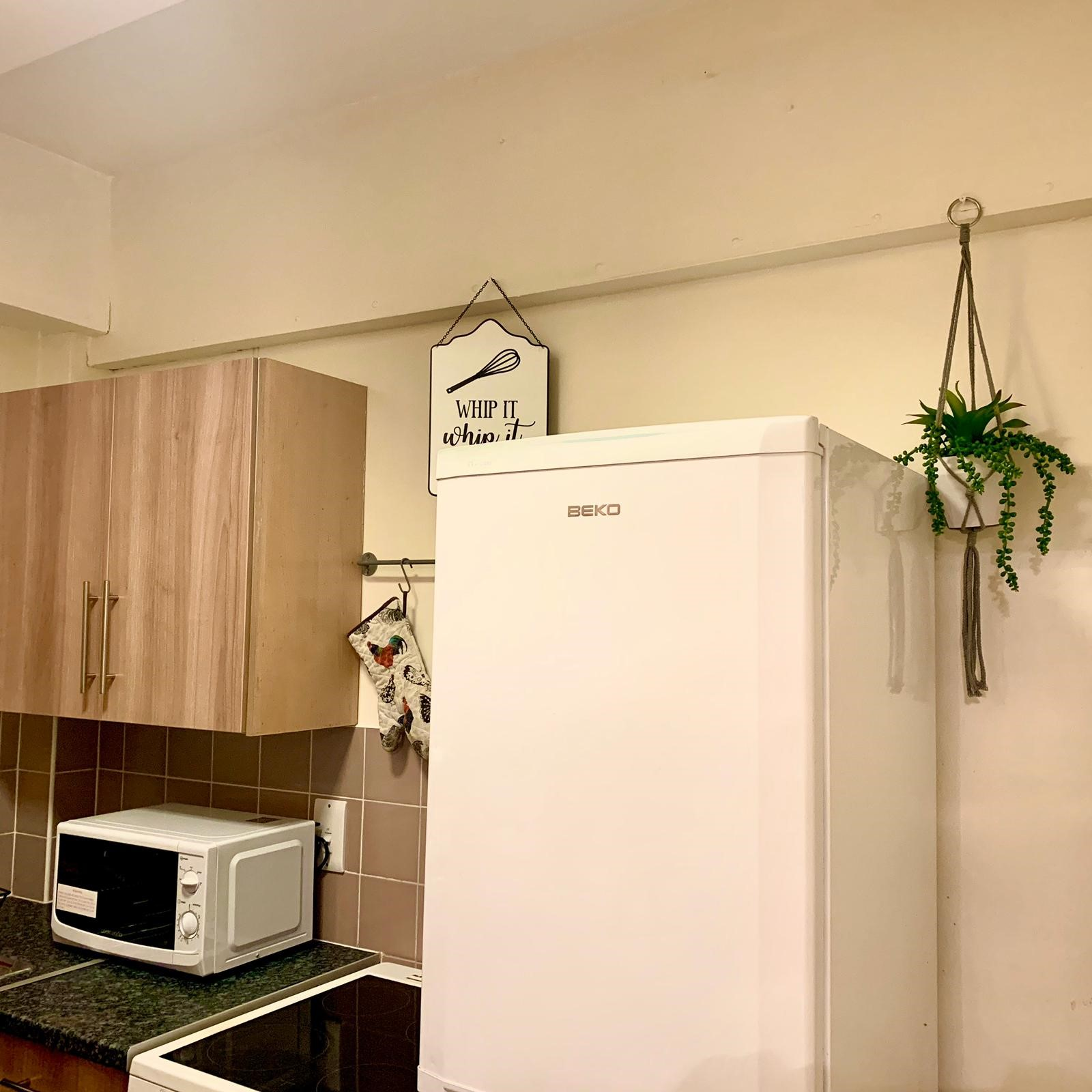 *** Duplex Apartment *** Over 1st & 2nd floors. Larger than average double for master Bedroom. 2nd bedroom standard room double.