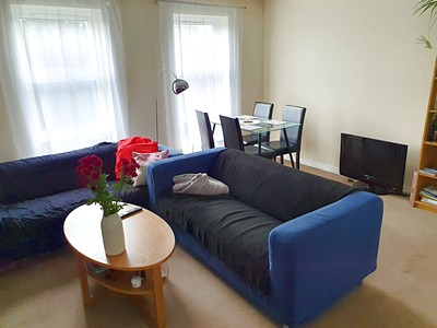 *** MODERN 2 BEDROOM FURNISHED APARTMENT ***  Furnished modern 2 bedroom second floor apartment. FGCH.  Close to all amenties, QMC, City Centre & the Universities. Full bathroom and bath , shower over. Balcony.