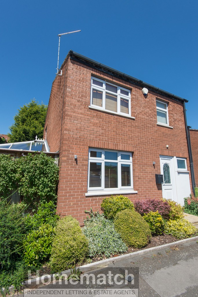 Link-detached. 3 Double bedrooms. Family bathroom. Downstairs WC. Some furniture. White goods included. Modern Cherrywood kitchen. Conservatory. Workshop / office